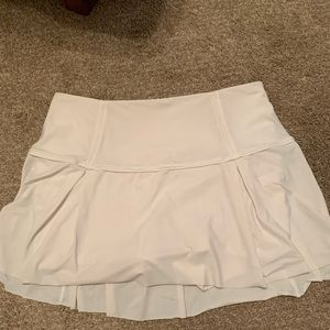 flowy white lulu lemon tennis skirt